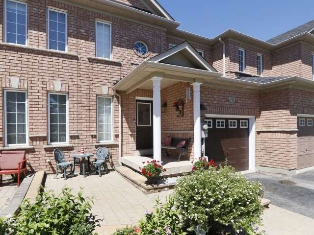 392 Hawkview Blvd Vaughan