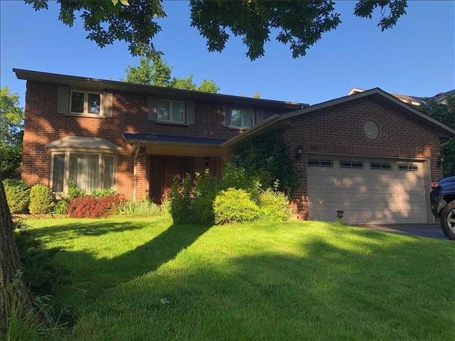 430 Barclay Cres
