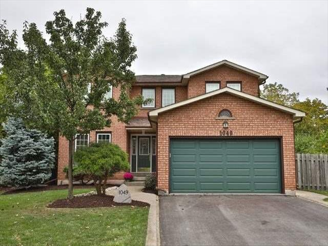 1049 Manchester Cres