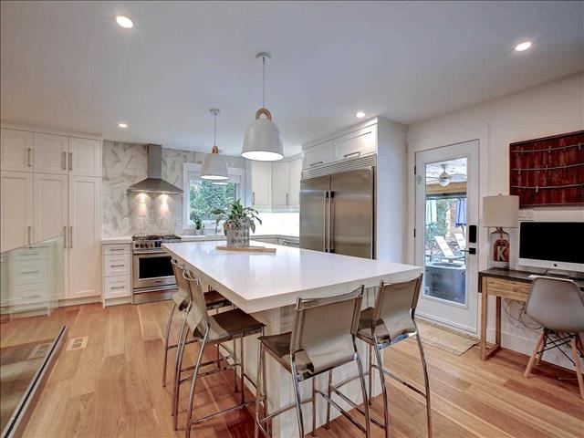 5099 Bayfield Cres